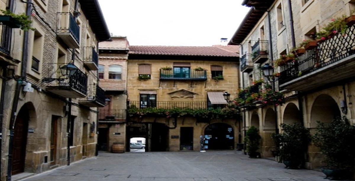Plaza Mayor. Laguardia